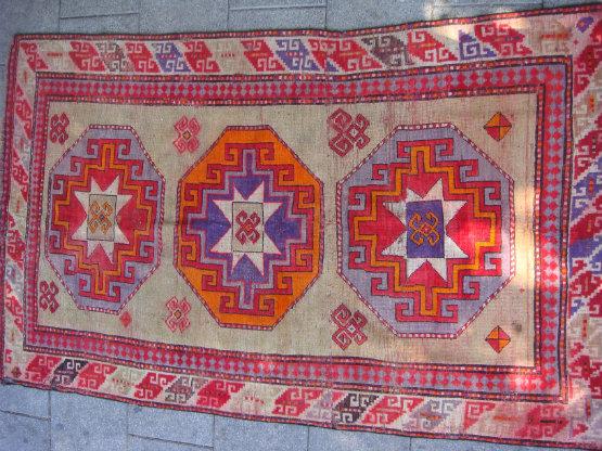 שטיח קווקזי עתיק