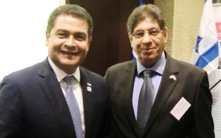 עם נשיא הונדורס