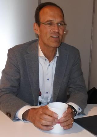 """וורנר קנובליך - מנכ""""ל EMEA רד האט"""