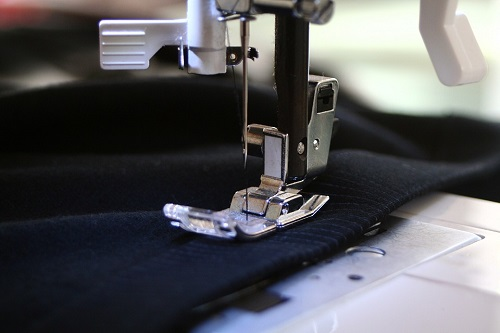 SEWING MACHINE FREE