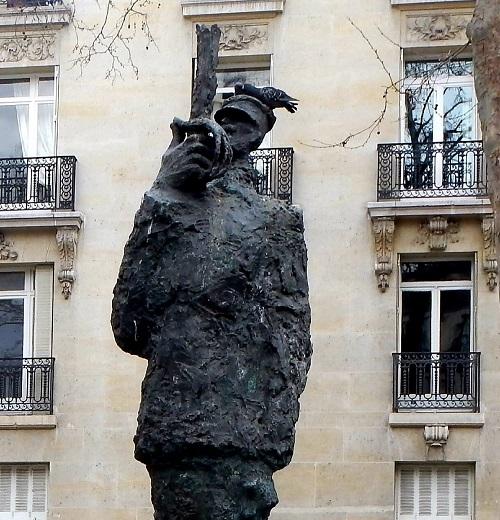 פסל דרייפוס בפריז