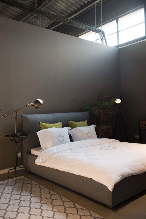 מיטה זוגית PUF