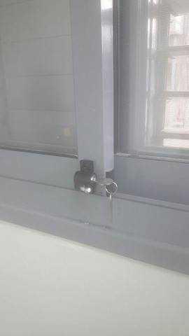 התקנת מנעול בחלון