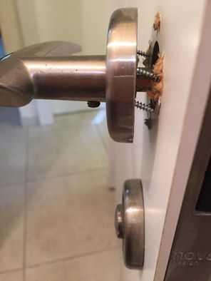 תיקון דלת וידית