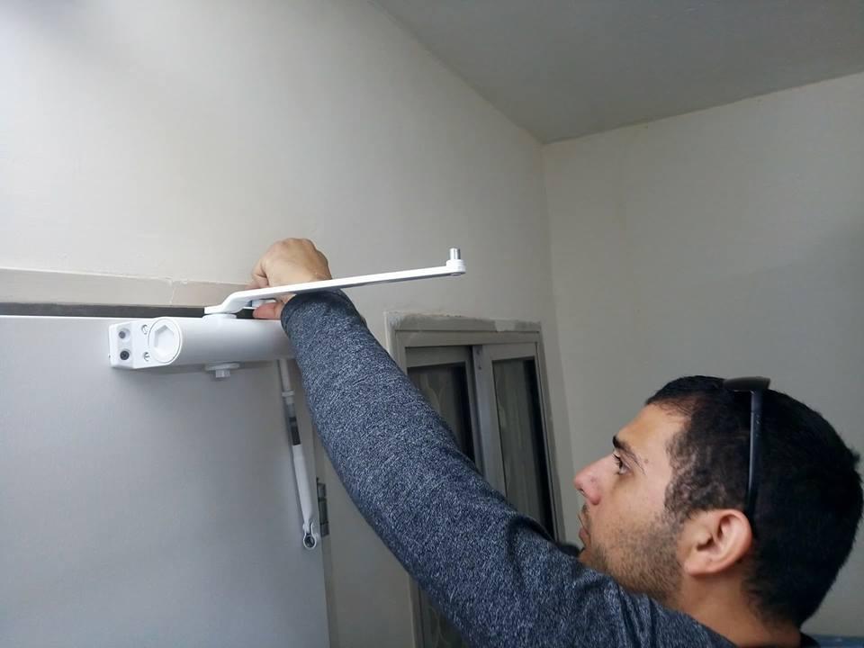 מנעולן תיקון דלתות