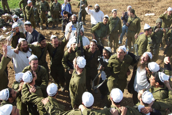 Distribution of Breslov Books to IDF Soldiers