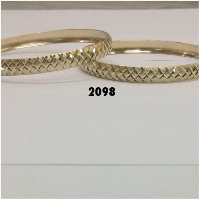 צמיד זהב 14K בצורה של קוביות בחריטת יהלום על רקע מט בעבודת יד (2098)