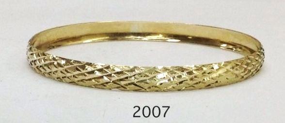 צמיד זהב 14K בצורה של מעוינים ממולא חריטת יהלום על רקע נצנץ הכל בעבודת יד (2007)
