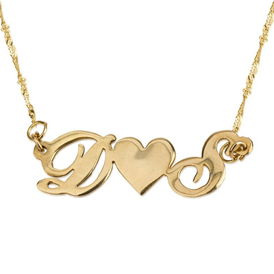 תליון חלק מבריק שתי אותיות באנגלית צמודות ללב זהב ושרשרת זהב 14K