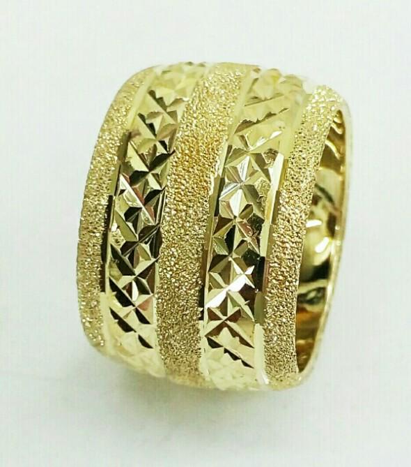 טבעת נישואין זהב 14K משולבת נצנץ ושורות כוכבים בחריטת יהלום (4090)