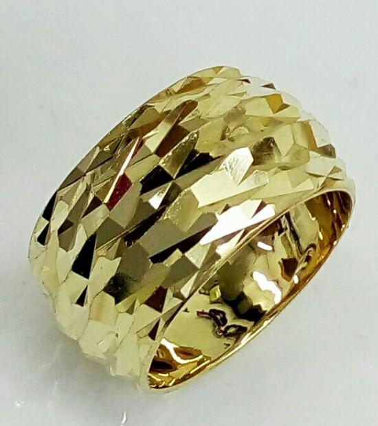 טבעת נישואין זהב 14K מקומר בחריטת יהלום בצורת קיפוד (4050)