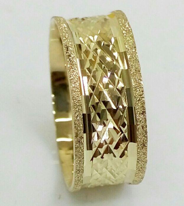 """טבעת נישואין רוחב 8 מ""""מ עם חריטה (4355)"""