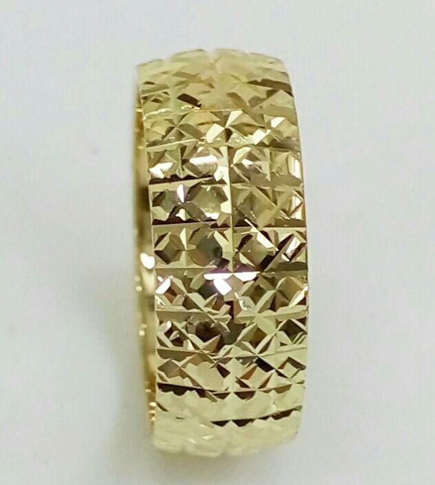 """טבעת נישואין 2 שורות כוכבים רוחב 6.5 מ""""מ (4365)"""
