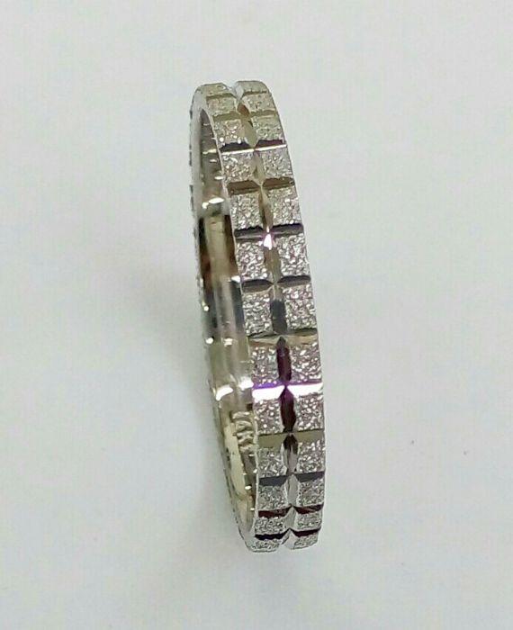 """טבעת נישואין בזהב לבן קוביות רוחב 3 מ""""מ (4375)"""