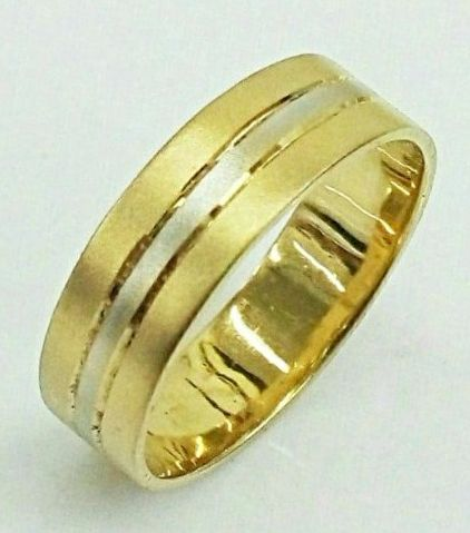 """טבעת זהב לגבר פסים משולבת זהב צהוב ולבן ברוחב 5 מ""""מ (4560)"""