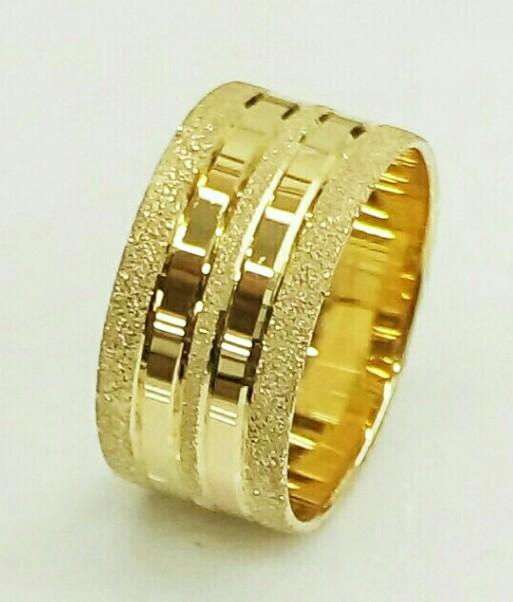 טבעת נישואין עם חריטת פסים נצנץ ומבריק (4420)