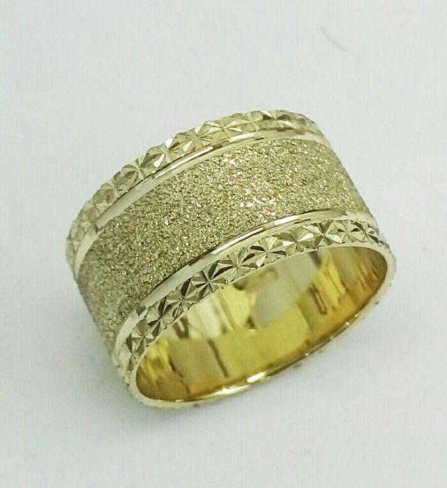 """טבעת נישואין לאישה שטוחה ברוחב 10.5 מ""""מ (4076)"""