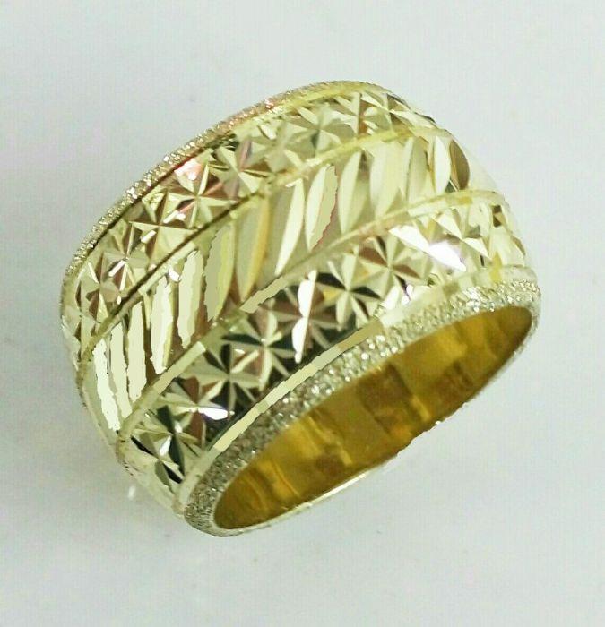 """טבעת נישואין כוכבים בחריטת יהלום ברוחב 13 מ""""מ (4230)"""