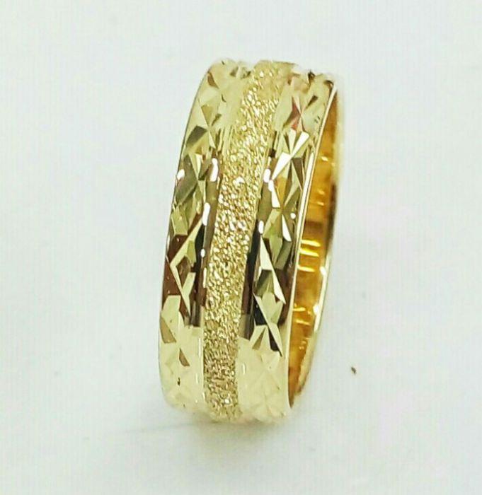 """טבעת נישואין עם חריטה ברוחב 5.5 מ""""מ (4155)"""
