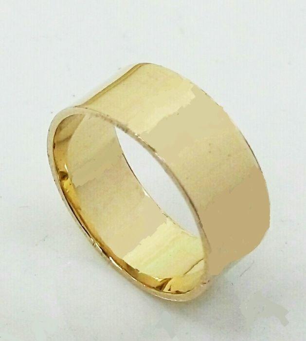 """טבעת זהב שטוחה חלקה ברוחב 7 מ""""מ (4520)"""