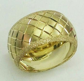 """טבעת נישואין לאישה קוביות וקנט נצנץ ברוחב 12 מ""""מ (4246)"""