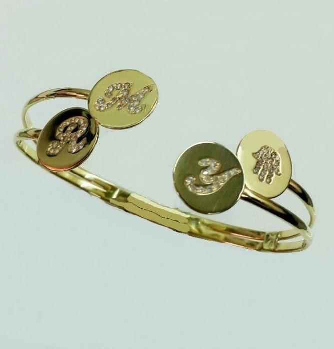 צמיד זהב בעיצוב מיוחד עם אותיות משובצות