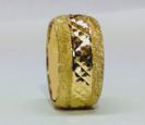 טבעת נישואין זהב 14K עם חריטות יהלום כוכבים בשילוב נצנץ בצדדים (4040)