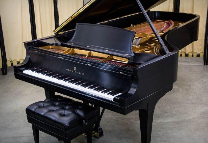 פסנתר אקוסטי