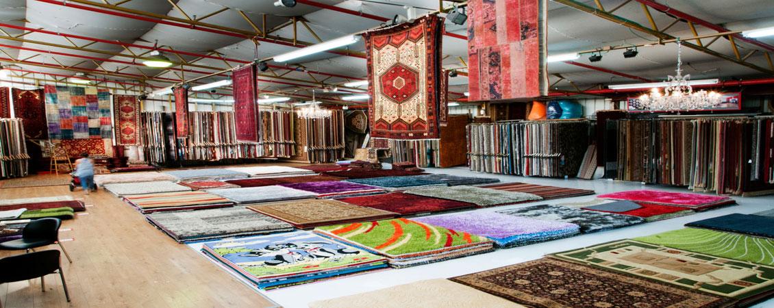 שטיחים במגוון צבעים