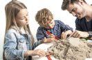 """משחק משפחתי חול קינטי 2,5 ק""""ג+מגש+ סט אביזרי צורות מקורי"""