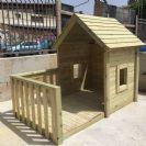 בית בובות + מרפסת לחצר מעץ
