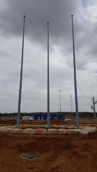 תורן פלדה קוני בגובה 15 מטר