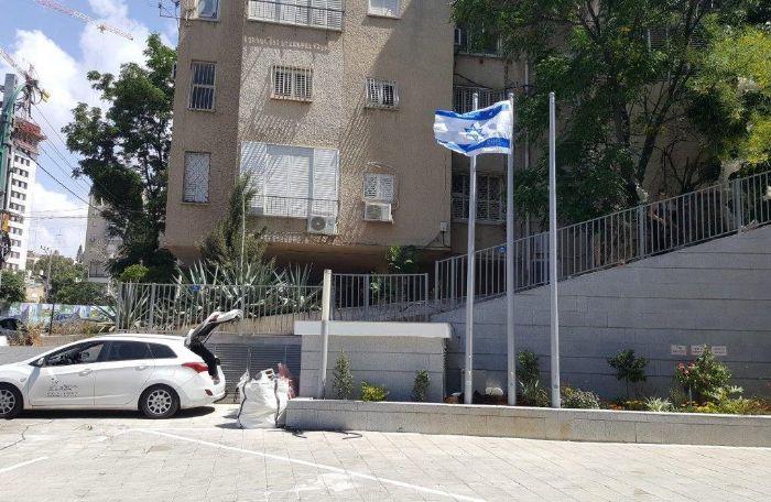 תורן פלדה קוני בגובה 6 מטר רמת גן
