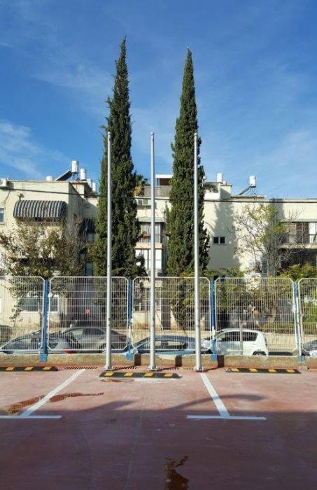 תורן פלדה קוני בגובה 6 מטר התקנה בבית השוטר בתל אביב