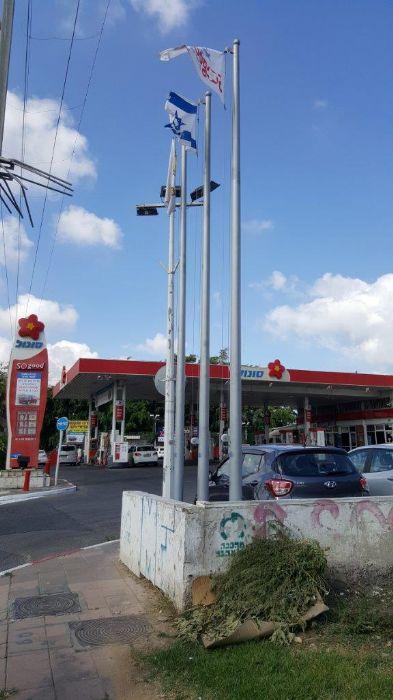 תורן פלדה קוני גובה 6 מטר התקנה בכניסה לתחנת דלק סונול בצומת חולון