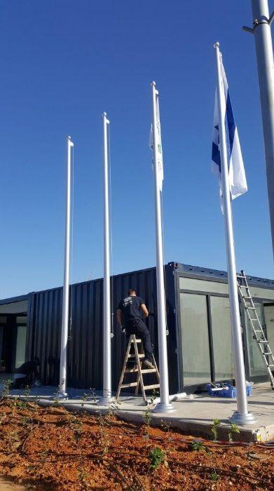 התקנת תרני אלומיניום קוני בגובה 6 מטר בנמל תל אביב