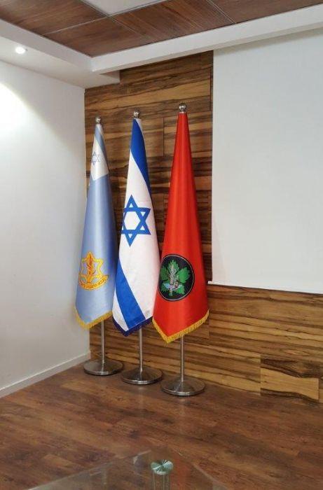 מעמד קונוס לחדר דיונים בבסיס הקריה בתל אביב