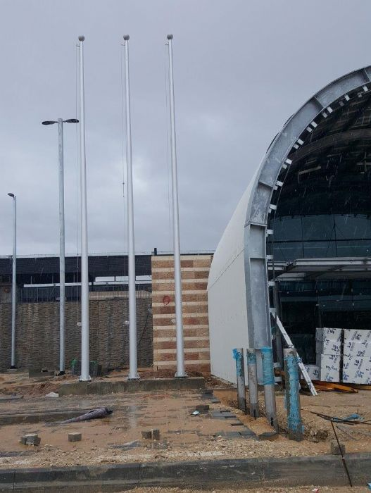 תורן אלומיניום בגובה 8 מטר התקנה בתחנת רכבת מזכרת בתיה