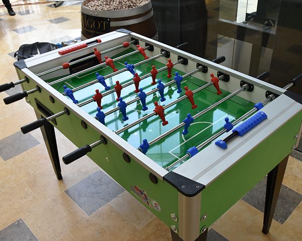 שולחן משחק כדורגל