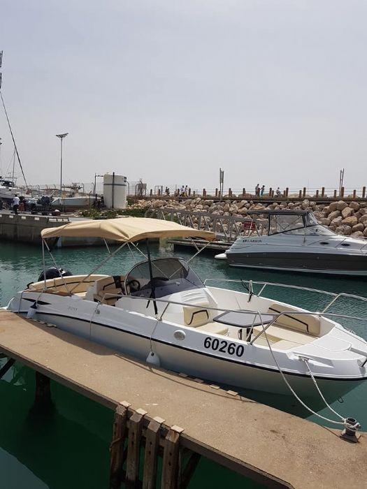 סירת מנוע לעד 6 משתתפים כולל ספורט ימי