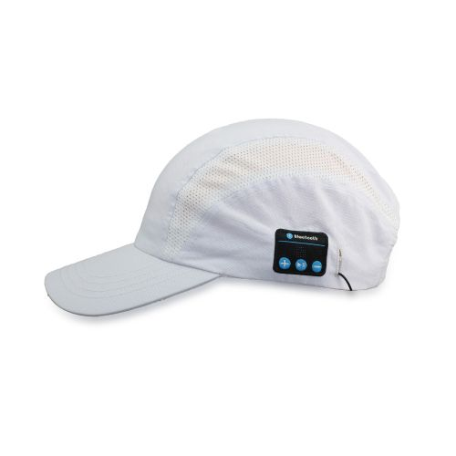 כובע עם אוזניות מובנות