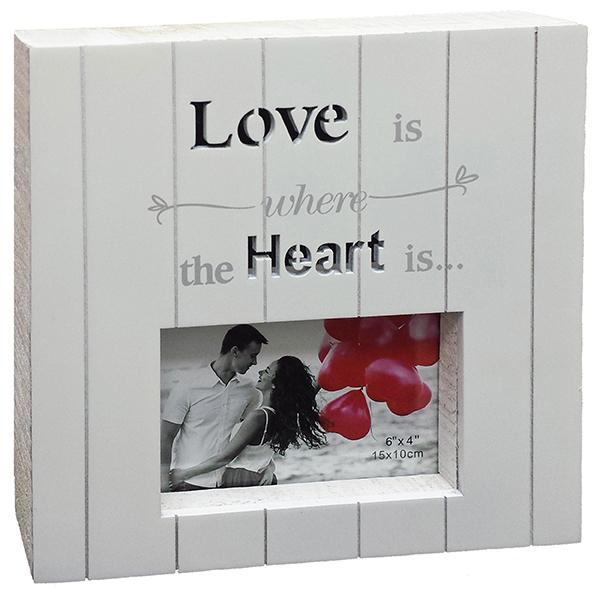 LOVE מסגרת עץ לבנה בחיתוך לייזר