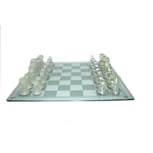 משחק שח מט זכוכית