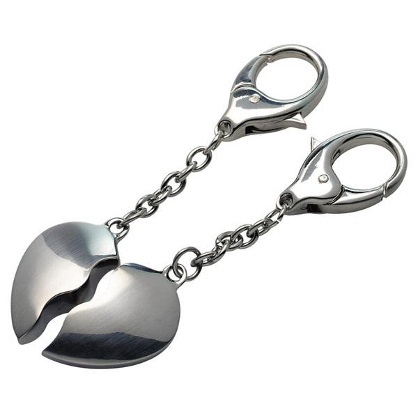 שני חצאי לב מחזיק מפתחות