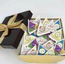 פירמידות במילוי עדשים או סוכריות ג'לי בינס