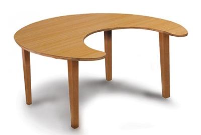 שולחן פרסה רגלי עץ