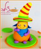 עוגה עם הדמות של אנריקה מערוץ בייבי ליום הולדת של טליה. תקריב של הדמות