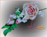 זר פרחים מפוסל מבצק סוכר, להנחה על עוגה