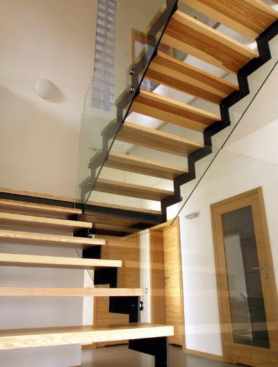 מדרגות בבית , מדרגות לבית סולם יעקב,מדרגות פנים