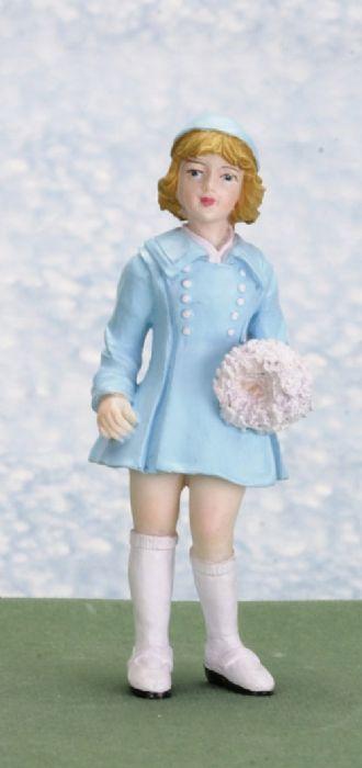 פסלון מיניאטורי של ילדה עם מגפיים לבנות